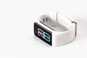 How Insurance Companies and Buyers Could Benefit from using Wearable Technology